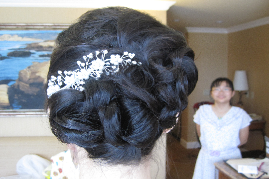 asian-wedding-hair-updo-with-soft-curls-by-meleah-1