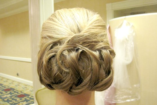 lopped-low-bun-for-long-hair-by-meleah